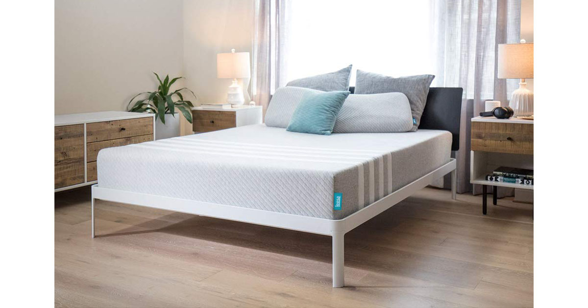Leesa 10 Memory Foam Mattress in a Box Queen image